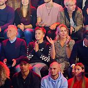 NLD/Amsterdam/20181107 - Opname Boxingstars 2018, 2e aflevering, familie en vrienden Michael Boogerd oa partner Darya Nucci