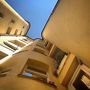 How the cat got there ? #prag #praha #prague #czechrepublic #katze #cat #zizkov #architecture #animal #building #miracle