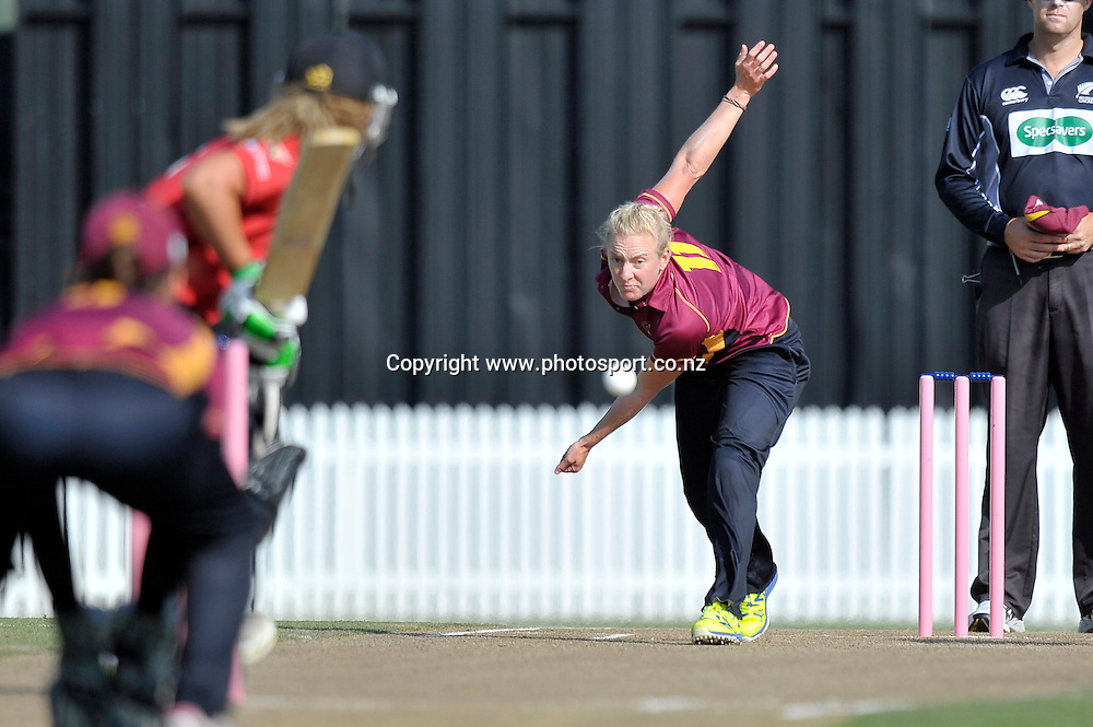 Northern Spirit's Sian Ruck delivers to <br /> Cricket - Women&rsquo;s T20 - Northern Spirit v Canterbury Magicians, Seddon Park, Hamilton, New Zealand.  16 January 2015. Copyright photo: Chris Hiilock/www.photosport.co.nz