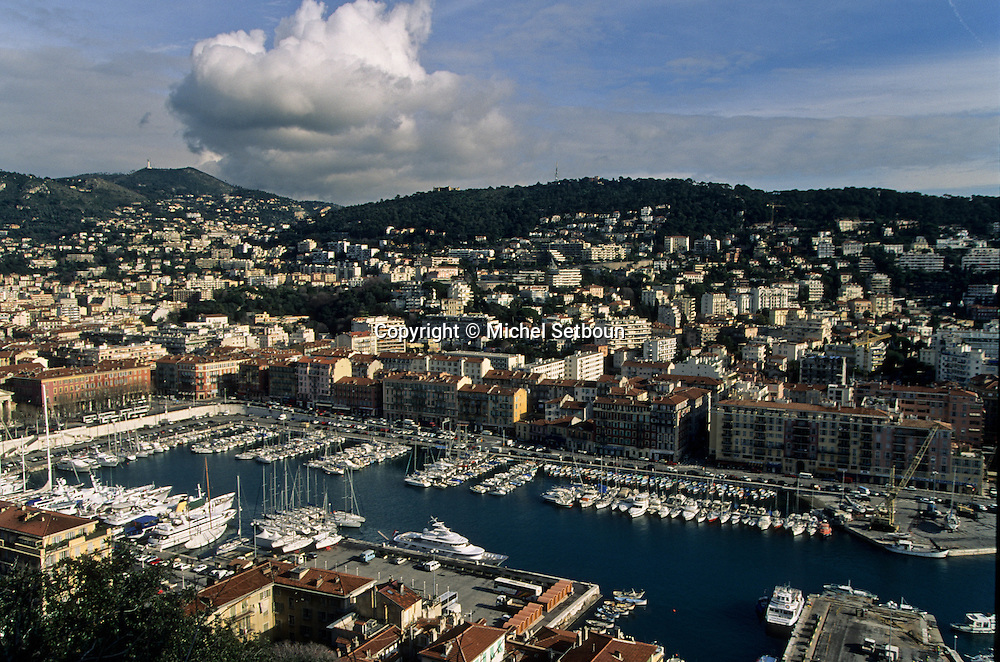 France. Nice. the harbour      / le port  Nice  france   / R00115/    L1737  /  P102865