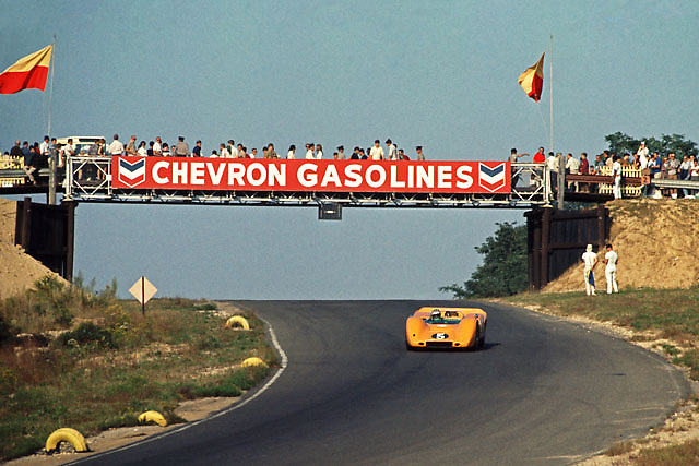 Denny Hulme in winning McLaren M6A at 1967 Bridgehampton Can-Am; PHOTO BY Pete Lyons 1967 / www.petelyons.com