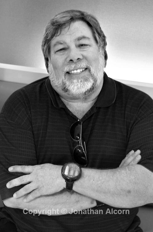 Apple co-founder Steve Wozniak at the Bloomberg News bureau in Los Angeles, California, U.S., on Thursday, August 25, 2011,   Photographer: Jonathan Alcorn