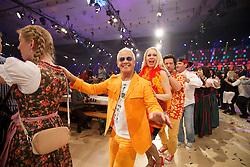 30.12.2016, Stadthalle, Graz, AUT, Silvesterstadl in Graz - Generalprobe, im Bild die Polonaise mit Harry Karrer von der 'Saragossa Band' während der Generalprobe des 'Silvesterstadl' // during the dress rehearsel of the show 'Silvesterstadl' at the City Hall, Graz, Austria on 2016/12/30, EXPA Pictures © 2016, PhotoCredit: EXPA/ Erwin Scheriau