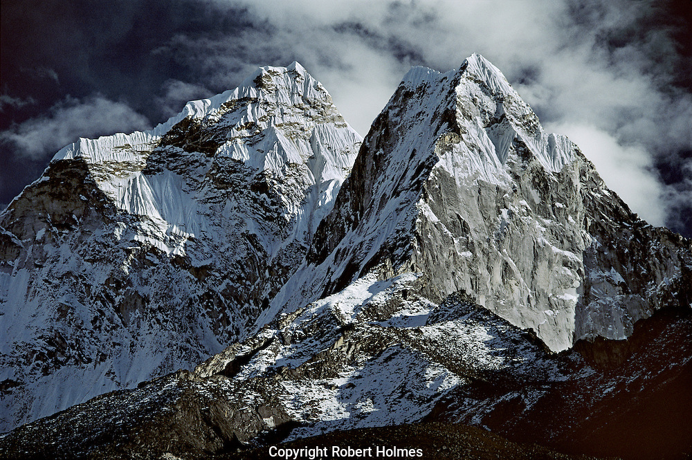 Mountains close to Everest in Solu Khumbu, Nepal