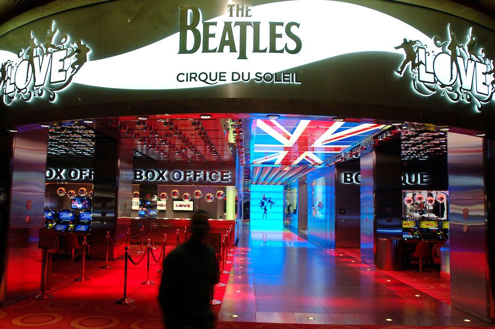 USA Nevada Las Vegas Mirage Hotel und Casino box office Beatles Show LOVE Cirque du Soleil Nachtstimmung Gastronomie Las Vegas Boulevard The Strip Nachtleben(Farbtechnik sRGB 34.74 MByte vorhanden) Geography / Travel .