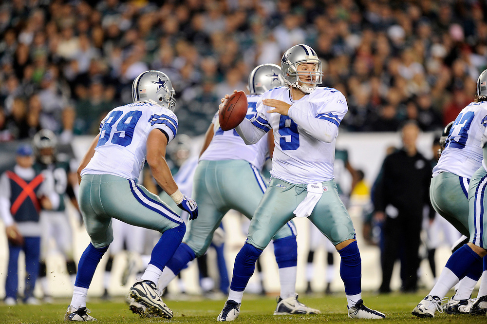 PHILADELPHIA - NOVEMBER 08: Tony Romo #9 of the Dallas Cowboys passes against the Philadelphia Eagles at Lincoln Financial Field on November 8, 2009 in Philadelphia, Pennsylvania. The Cowboys defeated the Eagles  20-16. (Photo by Rob Tringali) *** Local Caption *** Tony Romo