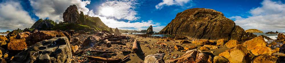 Panoramic view of a rocky beach at Harris Beach State Park, Brookings, Oregon USA.