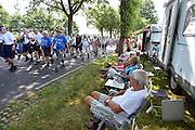 Nederland, Groesbeek, 17-7-2014 4 Daagse, Dag van Groesbeek, Zevenheuvelenweg. De vierdaagse is het grootste wandelevenement ter wereld. Deze dag is beroemd vanwege de heuvels die belopen moeten worden. Ook de plaatselijke bevolking en vooral de jeugd verzorgen veel afleiding met muziek en eten en drinken op het parcours.Foto: Flip Franssen/Hollandse Hoogte