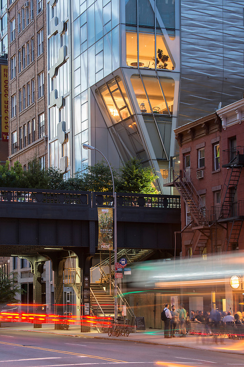 USA,New York, Chelsea, street scene , high line near 10th avenue