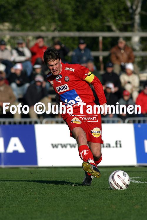 10.05.2004, Keskuskentt?, Pietarsaari, Finland..Veikkausliiga 2004 / Finnish League 2004.FF Jaro v FC KooTeePee.Niklas Storbacka - Jaro.©Juha Tamminen