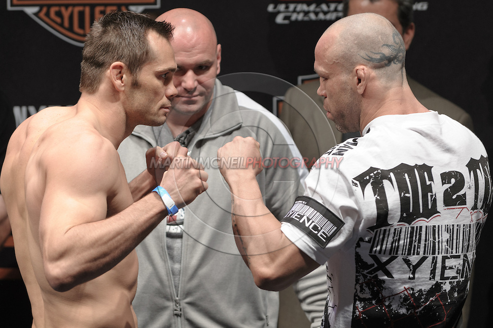 COLOGNE GERMANY JUNE 12 2009 Rich Franklin Left And Wanderlei