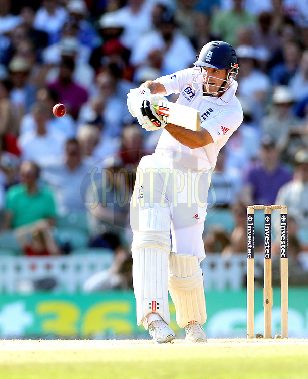 © Andrew Fosker / Seconds Left Images 2012 - England's Andrew Strauss (Captain)  pulls   England v South Africa - 1st Investec Test Match -  Day  4 - The Oval  - London - 22/07/2012