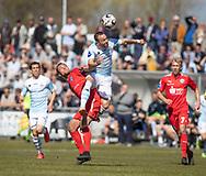 FODBOLD: Patrick Olsen (FC Helsingør) i kamp med Mathias Pedersen (Thisted FC) under kampen i NordicBet Ligaen mellem FC Helsingør og Thisted FC den 21. april 2019 på Helsingør Stadion. Foto: Claus Birch