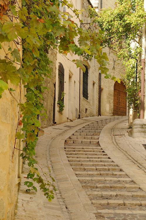 France, Languedoc Roussillon, Gard (30), Uzès, rue Saint Théodorit