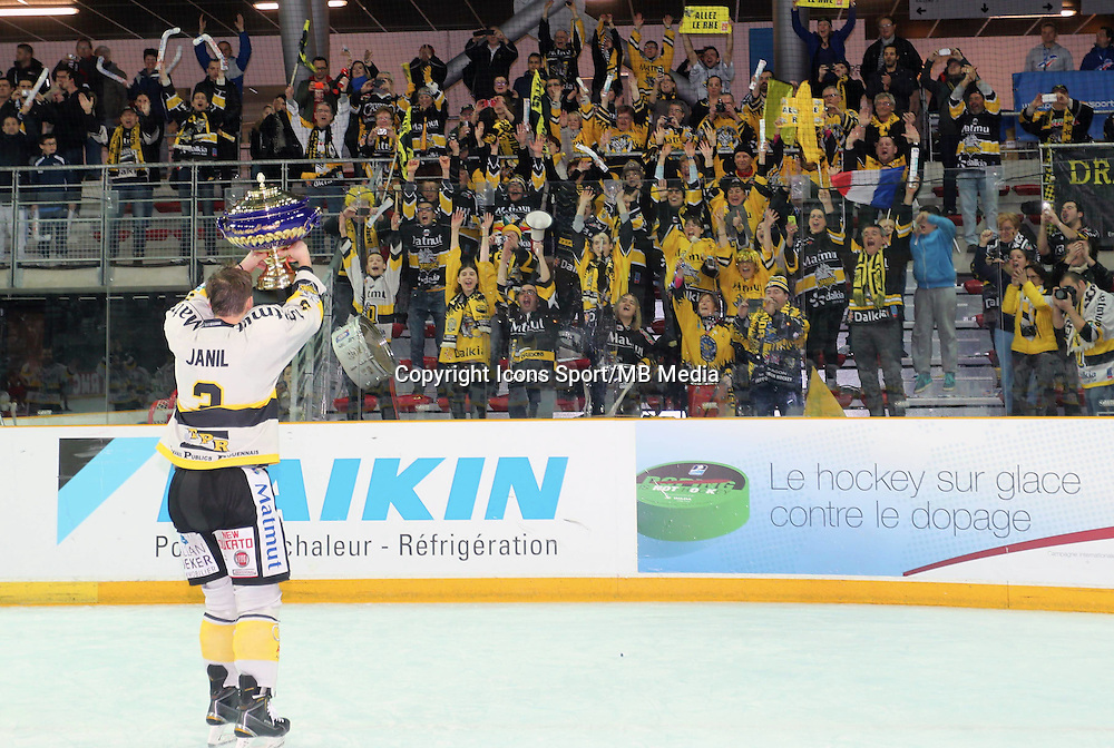 Victoire Rouen / Joie Jonathan JANIL - 25.01.2015 - Rouen / Amiens - Finale Coupe de France 2015 de Hockey sur glace<br />