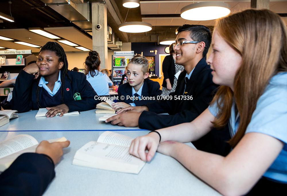 Glenthorne High School;<br /> School prospectus images;<br /> Sutton Common, Sutton.<br /> 14th September 2016<br /> <br /> &copy; Pete Jones<br /> pete@pjproductions.co.uk