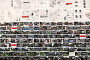 """Venezia - 16. Mostra di Architettura. Padiglioni ai Giardini. Palazzo delle Esposizioni. Un lavoro di """"Amateur Studio"""", collettivo di architetti"""""""