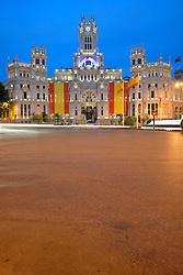 THEMENBILD - Madrid ist seit Jahrhunderten der geographische, politische und kulturelle Mittelpunkt Spaniens (siehe Kastilien) und der Sitz der spanischen Regierung. Hier residieren auch der König, ein katholischer Erzbischof sowie wichtige Verwaltungs- und Militärbehörden. Als Handels- und Finanzzentrum hat die Stadt nationale und internationale Bedeutung. Hier im Bild Feiertagsbeflaggung zu Ehren der Kroenungsfeier von Koenig Felipe VI, des Palast Palacio de Comunicaciones, auch Palacio Nuestra Senora de Correos, ehemaliges Hauptpostamt, Plaza Cibeles // THEMATIC PACKAGES - Madrid is the capital and largest city of Spain. The population of the city is roughly 3.3 million and the entire population of the Madrid metropolitan area is calculated to be around 6.5 million. It is the third-largest city in the European Union, after London and Berlin, and its metropolitan area is the third-largest in the European Union after London and Paris. The city spans a total of 604.3 km2. EXPA Pictures © 2014, PhotoCredit: EXPA/ Eibner-Pressefoto/ Weber<br /> <br /> *****ATTENTION - OUT of GER*****