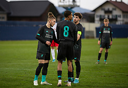 GRÖDIG, AUSTRIA - Tuesday, December 10, 2019: Liverpool's captain Neco Williams steps in to decide who should take the penalty between Harvey Elliott (L) and Elijah Dixon-Bonner (C) during the final UEFA Youth League Group E match between FC Salzburg and Liverpool FC at the Untersberg-Arena. (Pic by David Rawcliffe/Propaganda)