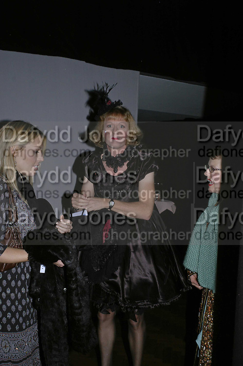 GRAYSON PERRY, 6th Annual Lancªme Colour Designs Awards In association with CLIC Sargent Cancer Care.  Lindley Hall, Vincent Sq. London. 28 November 2006.  ONE TIME USE ONLY - DO NOT ARCHIVE  © Copyright Photograph by Dafydd Jones 248 Clapham Rd. London SW9 0PZ Tel 020 7733 0108 www.dafjones.com