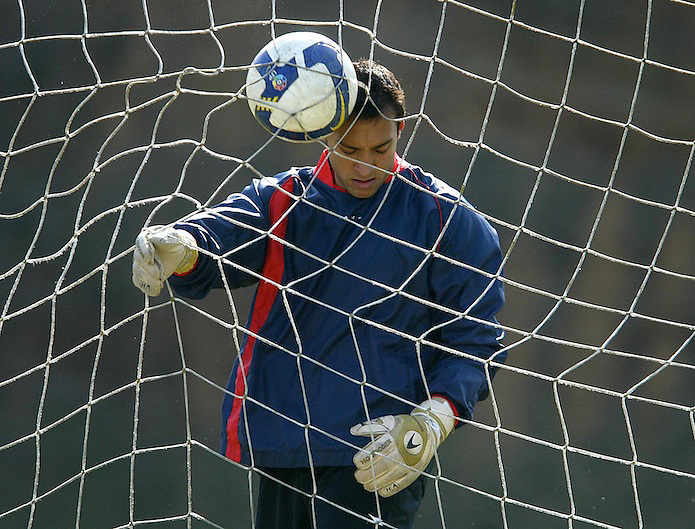 16/02/09 ENTRENO DEL GIRONA F.C. EN MONTILIVI GIRONA. EL PRIMER PORTERO RAFA PONZO