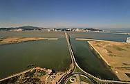 Nam Van lake -  project on new reclaimed land will change the face of Macau  ///  nouveau Projet immobilier ;  - Nam van lakeî qui va fermer la baie de Macao /// R00228/7    L3106  /  R00228  /  P0006549