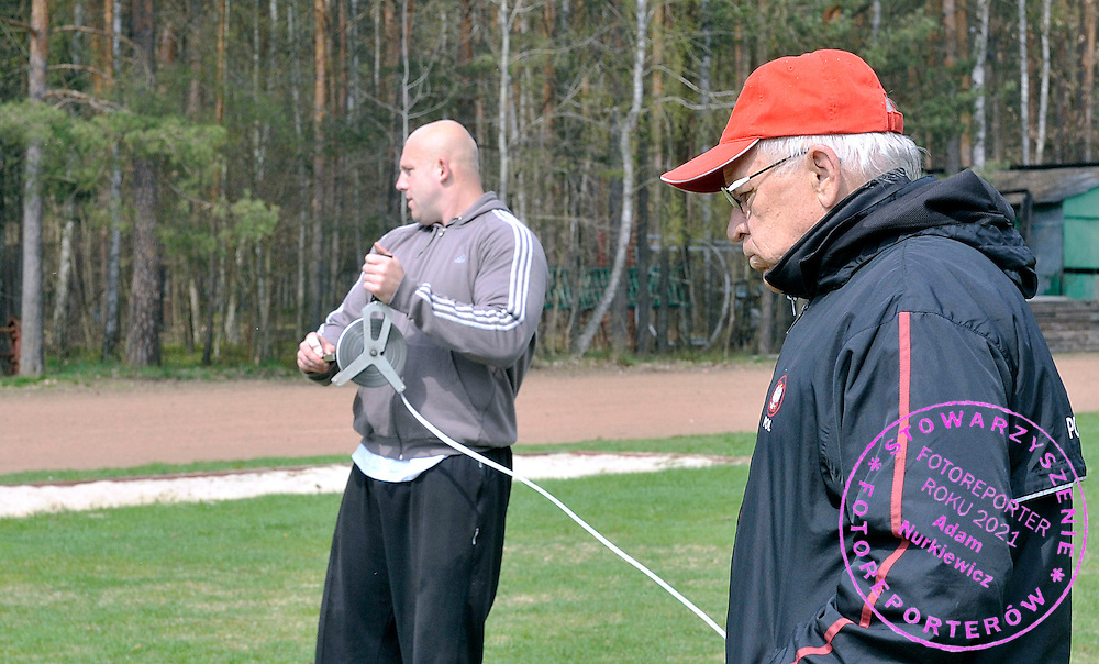 (L) DISCUS THROW ATHLETE PIOTR MALACHOWSKI & (R) WALDEMAR SUSKI (MALACHOWSKI'S TRAINER COACH) DURING HIS TRAINIG CAMP IN SPALA, POLAND...SPALA , POLAND , APRIL 22, 2010..( PHOTO BY ADAM NURKIEWICZ / MEDIASPORT )..PICTURE ALSO AVAIBLE IN RAW OR TIFF FORMAT ON SPECIAL REQUEST.