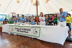 Beach to Beacon 10K press day: Joan Benoit Samuelson, standing ovation