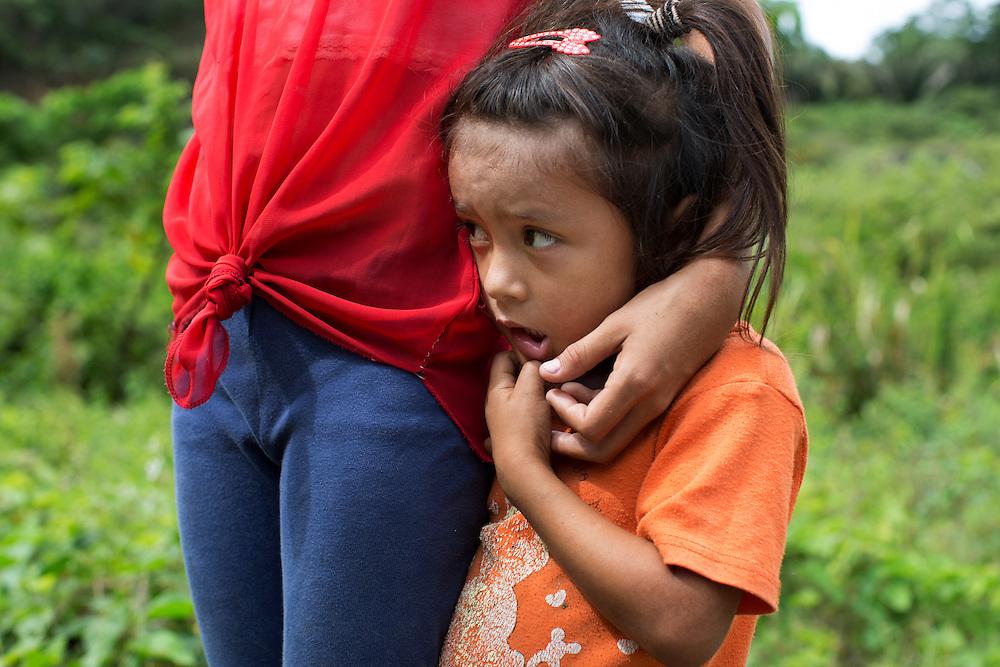 San Pedro Sula, Honduras<br /> <br /> Estrella Lopez 4 &aring;r ser en m&ouml;rdad kvinna f&ouml;r f&ouml;rsta g&aring;ngen i sitt liv.<br /> <br /> <br /> <br /> Photo: Niclas Hammarstr&ouml;m