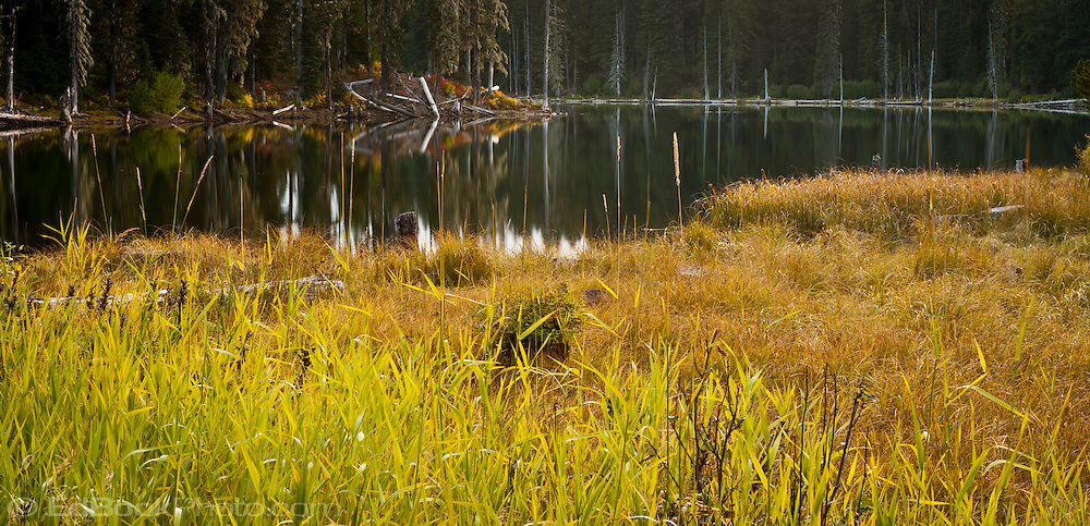 Chain of Lakes in autumn Gifford Pinchot National Forest, Cascade Mountain Range, Washington, USA
