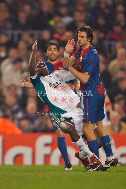 Barcelona, Spain - Wednesday, February 21, 2007: Liverpool's Mohamed Sissoko is clattered into by FC Barcelona's Thiago Motta during the UEFA Champions League First Knockout Round 1st Leg match at the Nou Camp. (Pic by David Rawcliffe/Propaganda)