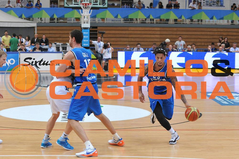 DESCRIZIONE : Trento Primo Trentino Basket Cup Finlandia Italia<br /> GIOCATORE : daniel hackett<br /> CATEGORIA : palleggio<br /> SQUADRA : Finlandia Nazionale Italia Maschile <br /> EVENTO :  Trento Primo Trentino Basket Cup<br /> GARA : Finlandia Italia<br /> DATA : 25/07/2012<br /> SPORT : Pallacanestro<br /> AUTORE : Agenzia Ciamillo-Castoria/M.Gregolin<br /> Galleria : FIP Nazionali 2012<br /> Fotonotizia : Trento Primo Trentino Basket Cup Finlandia Finlandia<br /> Predefinita :
