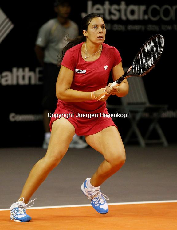 Commonwealth Bank Tournament of Champions  2011, WTA Tour, Damen Hallen Tennis Turnier.in Bali ,Indonesien, .Marion Bartoli (FRA),Aktion,Einzelbild,Hochformat,.Ganzkoerper,