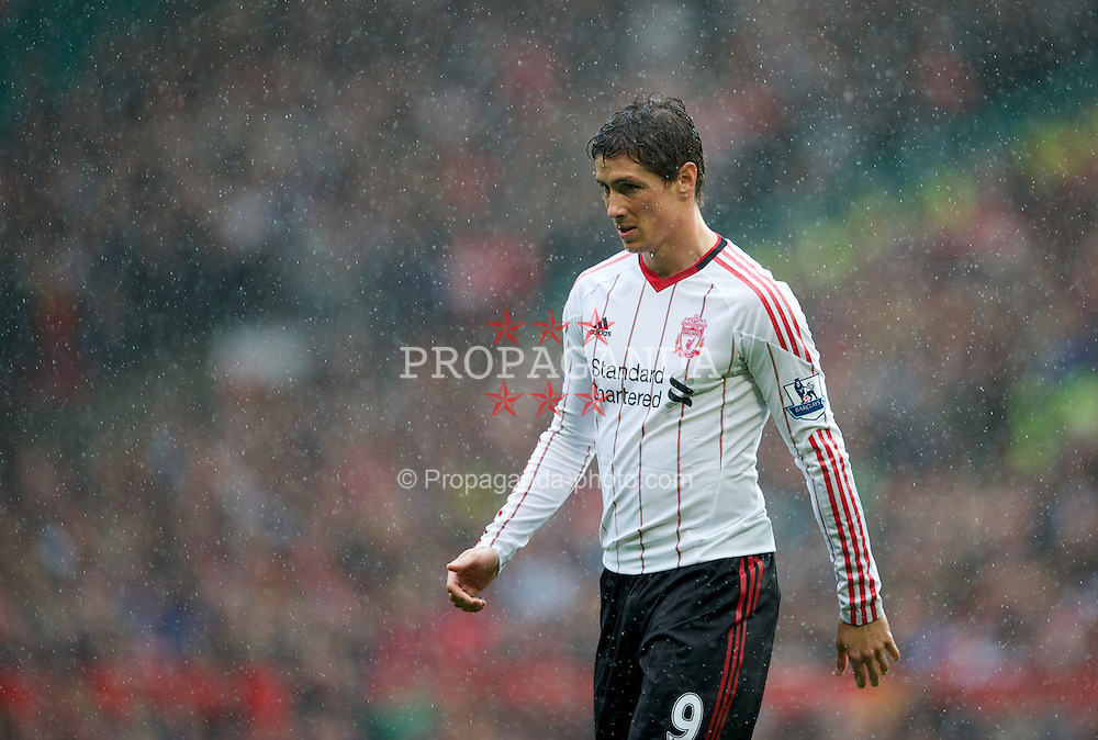 MANCHESTER, ENGLAND - Sunday, September 19, 2010: Liverpool's Fernando Torres in action against Manchester United during the Premiership match at Old Trafford. (Photo by David Rawcliffe/Propaganda)