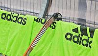 ROTTERDAM - HOCKEY -  Adidas sponsor KNHB tijdens de oefenwedstrijd tussen de mannen van Nederland en Engeland. FOTO KOEN SUYK