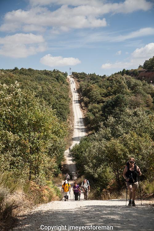 From Villafranca, it is a steep cimb towards the Montes de Oca's rugged terrain.
