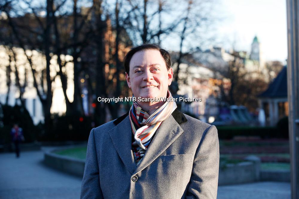 OSLO  20131120. Forfatteren Andrew Solomon har skrevet boken &quot;Langt fra stammen&quot; som n&Acirc; kommer ut i norsk oversettelse.<br /> Foto: Cornelius Poppe / NTB scanpix<br /> <br /> NTB Scanpix/Writer Pictures<br /> <br /> WORLD RIGHTS, DIRECT SALES ONLY, NO AGENCY