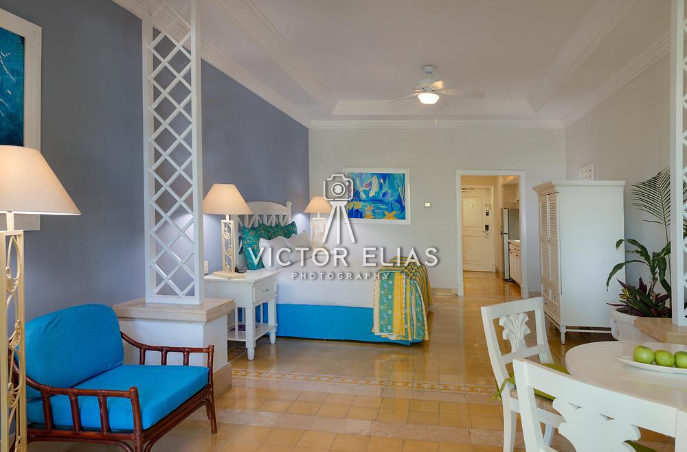 Pueblo Bonito Emerald Bay Resort & Spa. Photo by: Victor Elias Photography 1013 Junior Suite Garden View King