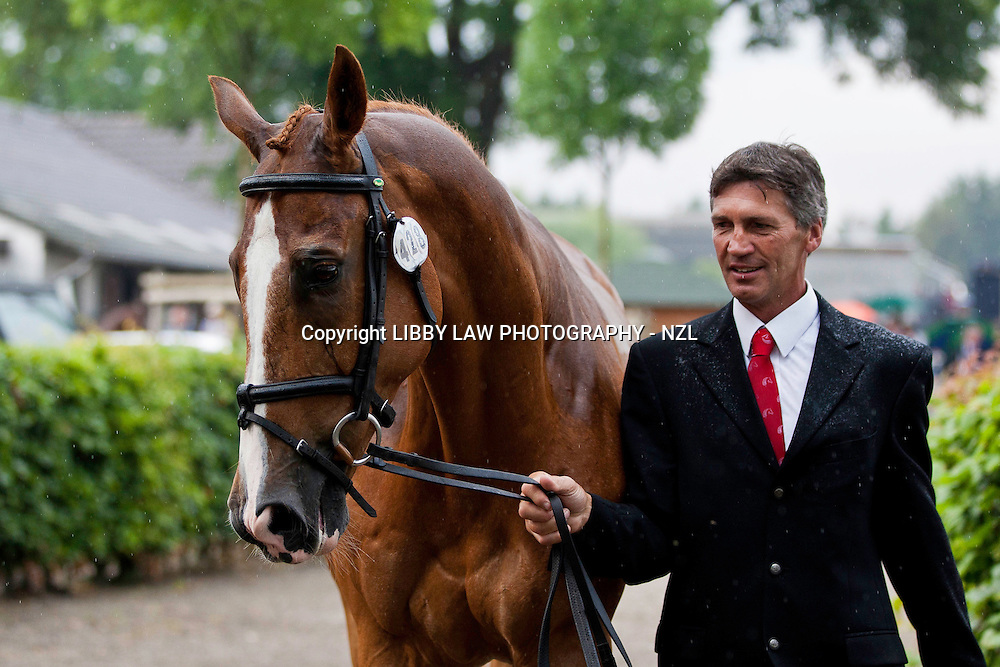 NZL-Andrew Nicholson (NEREO) 2012 GER-CHIO Aachen Weltfest des Pferdesports (Thursday) - CICO*** Eventing 1ST Horse Inspection