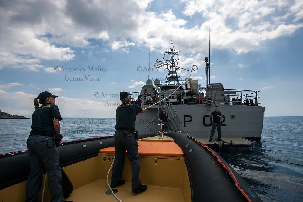 La vedetta velocissima è inserita nel dispositivo di controllo marittimo della Guardia di Finanza per il G7 di Taormina.