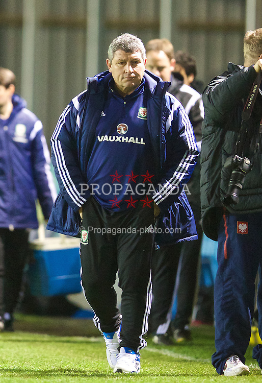 RHYL, WALES - Tuesday, March 18, 2014: Wales' head coach Osian Roberts during the Under-15's International Friendly match against Poland at Belle Vue. (Pic by David Rawcliffe/Propaganda)