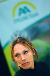 08-03-2006 WIELRENNEN: TEAMPRESENTATIE AA CYCLINGTEAM: ALPHEN AAN DE RIJN<br /> Anouska van der Zee<br /> Copyrights: WWW.FOTOHOOGENDOORN.NL