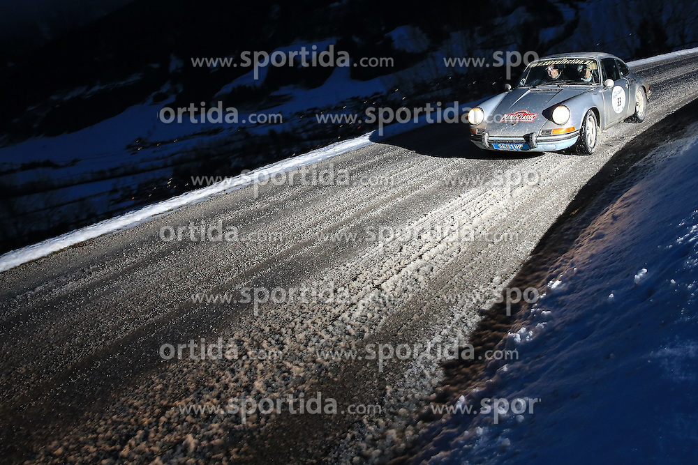 03.01.2015, Groebming, AUT, Planai-Classic 2015, Dachstein-Prolog, im Bild Christian Clerici und Peter Rossmanith (AUT), Porsche 911 T Coupe, Bj. 1971 // during the Planai-Classic 2015 in Groebming, Austria on 2015/01/03. EXPA Pictures © 2015, PhotoCredit: EXPA / Martin Huber