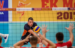 24-09-2016 NED: EK Kwalificatie Nederland - Wit Rusland, Koog aan de Zaan<br /> Nederland verliest de eerste twee sets / Robbert Andringa #18