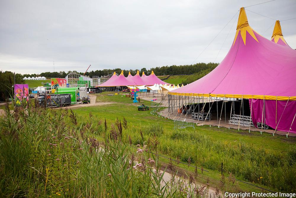 359950-Overzichtsbeelden opbouw Tomorrowland, festivaldomein de Schorre Boom
