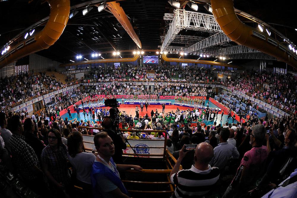 10-04-2016 ITA: CEV DenizBank Champions League  - VakıfBank Istanbul - Pomi Casalmaggiore, Montichiari<br /> Vakifbank verliest met 3-0 en pakt opnieuw het zilver in de CL / Line up<br /> <br /> ***NETHERLANDS ONLY***