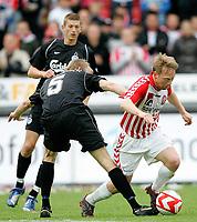 Fotball , 27. mai 2007 , AaB's Fredrik Winsnes med bolden i SAS Ligaens bronze-kamp mellem AaB og OB på Aalborg Stadion, søndag. Hjemmeholdet gik af med sejren og medaljerne efter 3-1 i sæsonens sidste kamp. <br /> Norway only