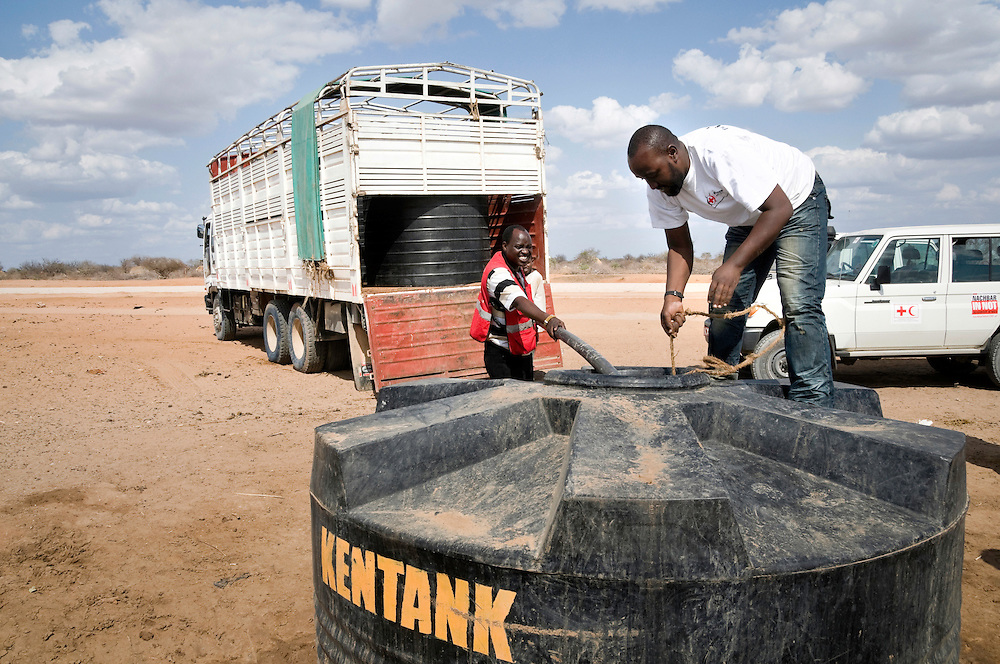 Kenya Red Cross, Water Trucking/Distribution Point for 3,000 beneficiaries. Lago, 20 km from Garissa, Kenya.