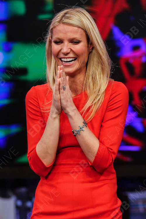 29.OCTOBER.2012.MADRID<br /> <br /> GWYNETH PALTROW APPEARS ON THE EL HORMIGUERO TV SHOW, MADRID, SPAIN.<br /> <br /> BYLINE: EDBIMAGEARCHIVE.CO.UK<br /> <br /> *THIS IMAGE IS STRICTLY FOR UK NEWSPAPERS AND MAGAZINES ONLY*<br /> *FOR WORLD WIDE SALES AND WEB USE PLEASE CONTACT EDBIMAGEARCHIVE - 0208 954 5968*