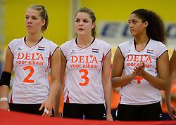 28-12-2013 VOLLEYBAL: TOPVOLLEYBAL TOURNOOI NEDERLAND BELGIE: ALMELO<br /> Nederland wint de eerste wedstrijd met 3-0 van Belgie / (L-R) Femke Stoltenborg, Yvon Belien, Celeste Plak<br /> &copy;2013-FotoHoogendoorn.nl